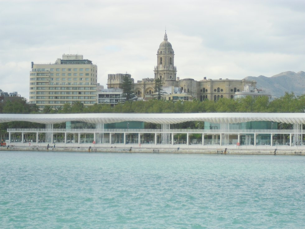 La Academia de San Telmo rechaza que la noria se instale en la entrada del Puerto de Málaga