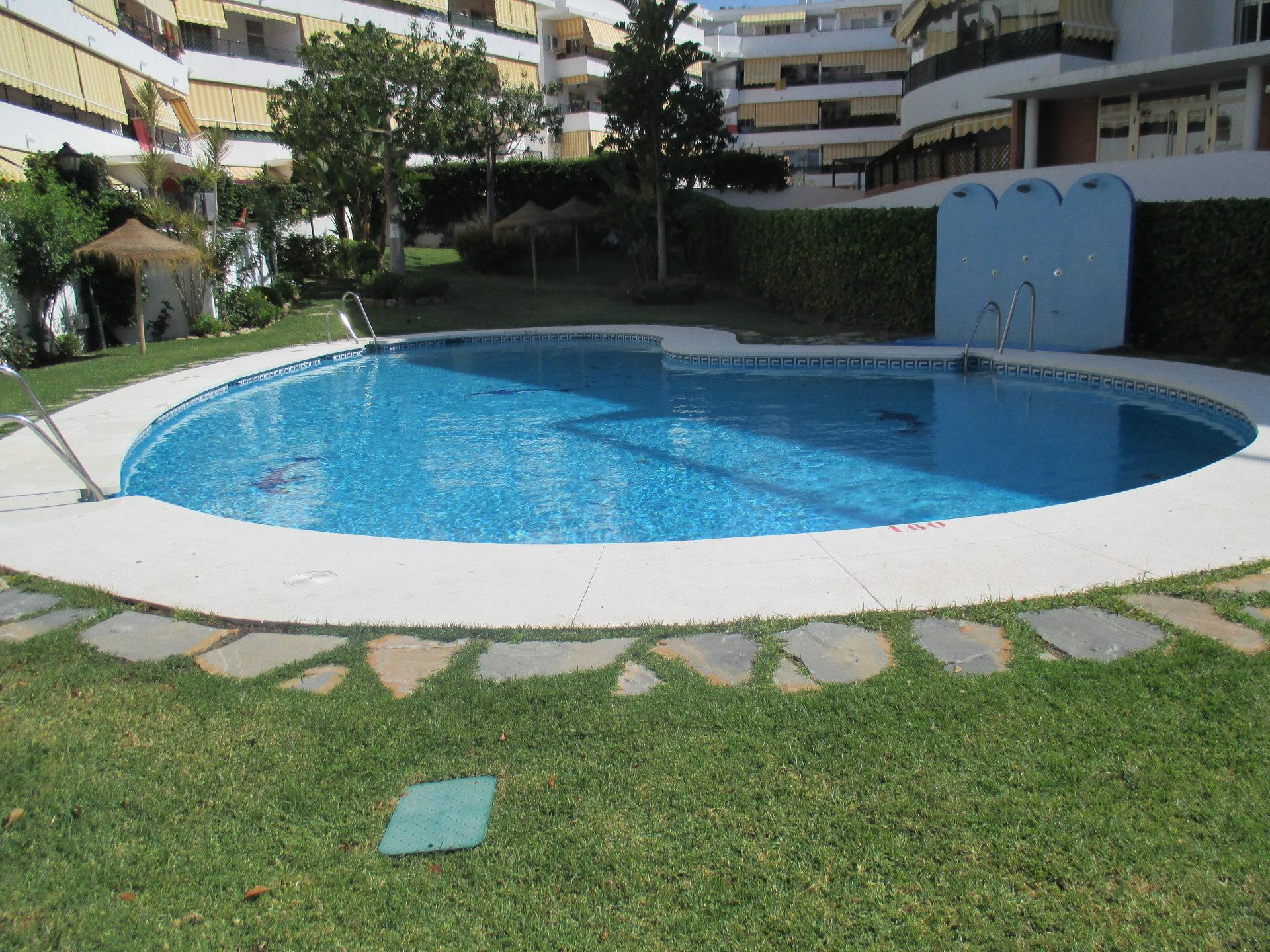 El aumento de las inspecciones provoca el cierre de centenares de piscinas comunitarias