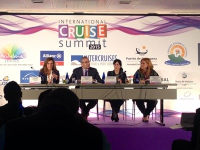 Malaga analyses new business opportunities for cruises in a global forum