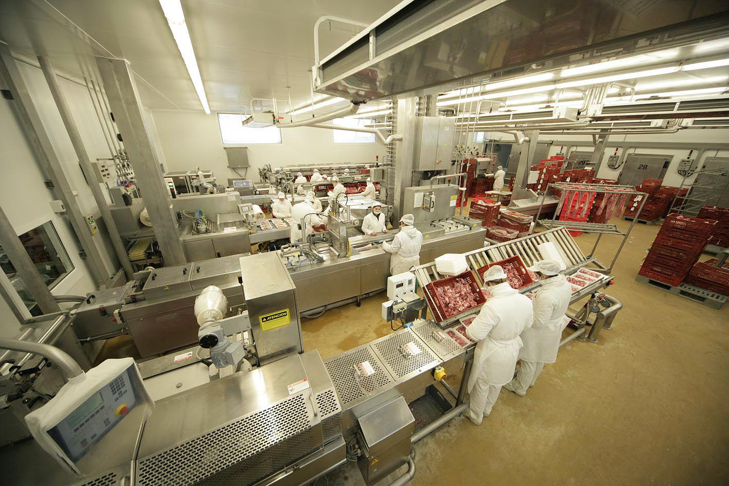 El sector agroalimentario lidera el empleo industrial de Andalucía