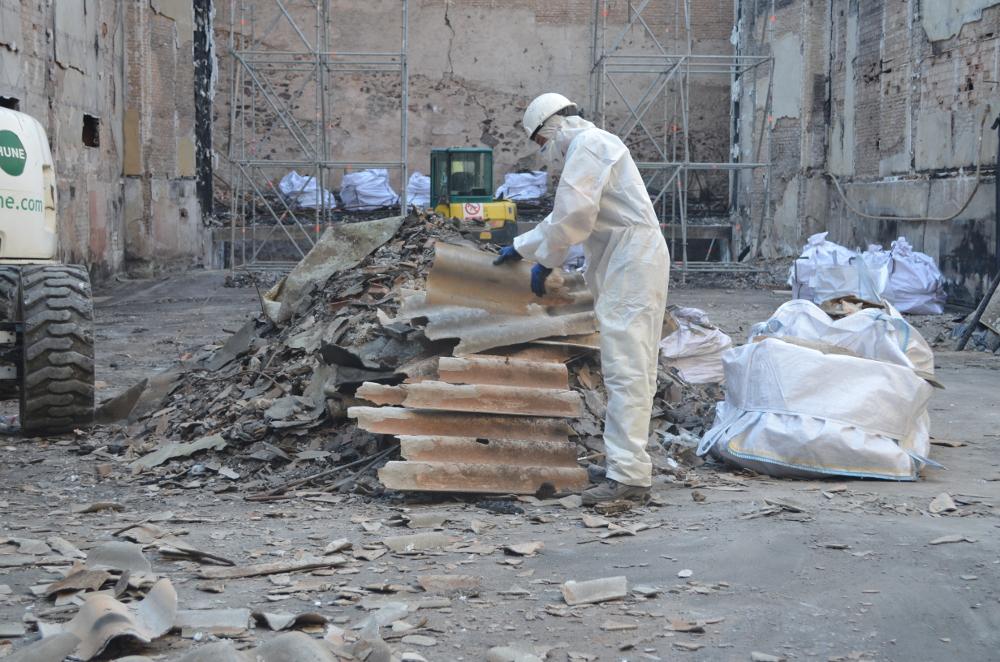 """""""Muchos materiales con amianto se retiran sin seguir el protocolo"""""""