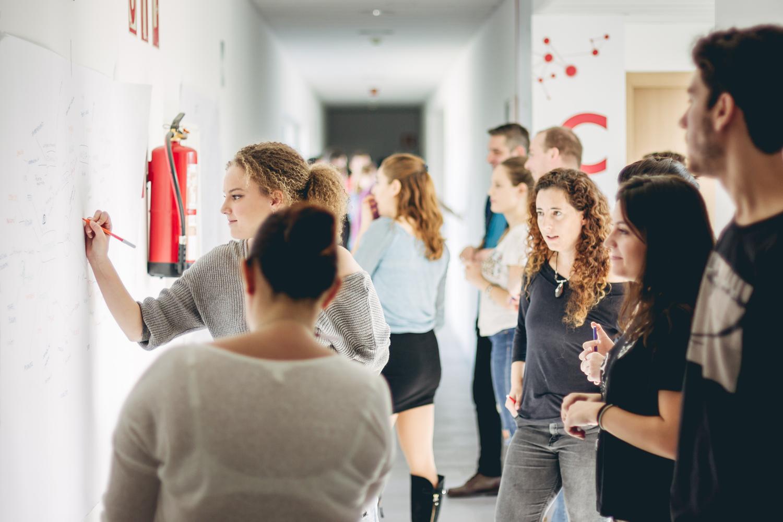 ¿Cómo influir en los programas de emprendimiento en el alumnado universitario?