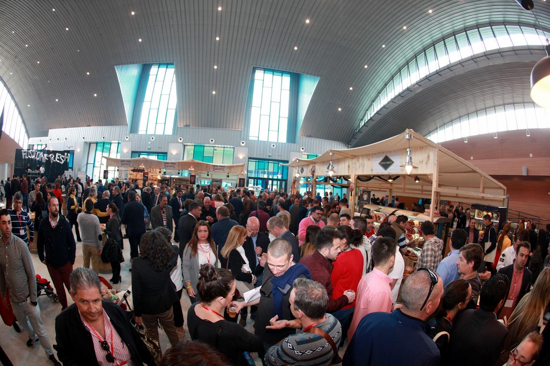 La primera edición de FusiónFresh concentra a más de un millar de profesionales del sector horeca en Málaga
