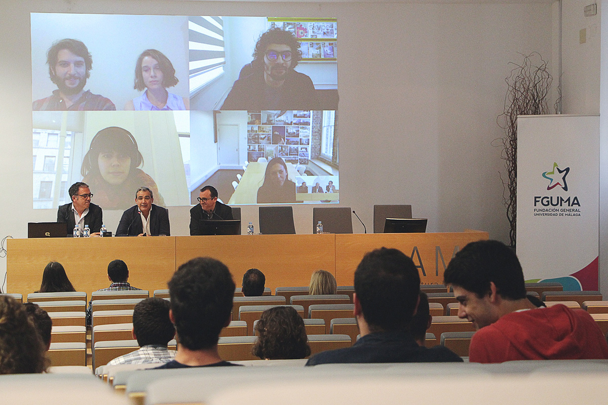 Antiguos alumnos de Arquitectura exponen la experiencia laboral vivida en diferentes continentes