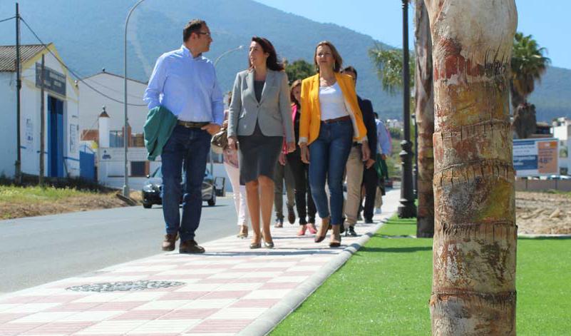 Se abre un nuevo tramo de acerado en Carretera de Cártama