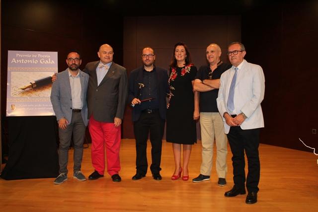 Alhaurín el Grande entrega el XI Premio Internacional de Poesía Antonio Gala