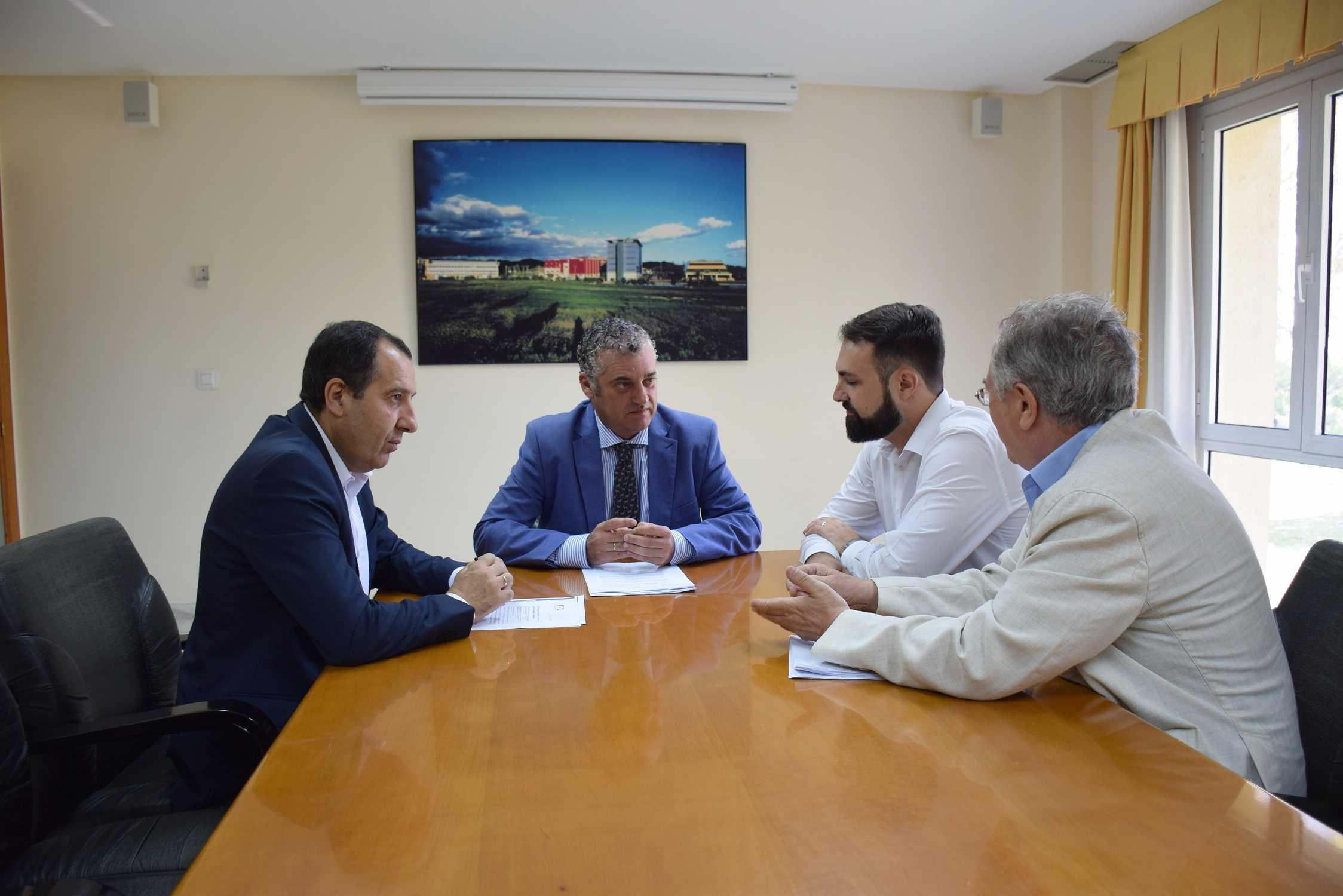 Javier Carnero destaca la fortaleza del PTA como polo de atracción de inversión extranjera con medio centenar de empresas foráneas