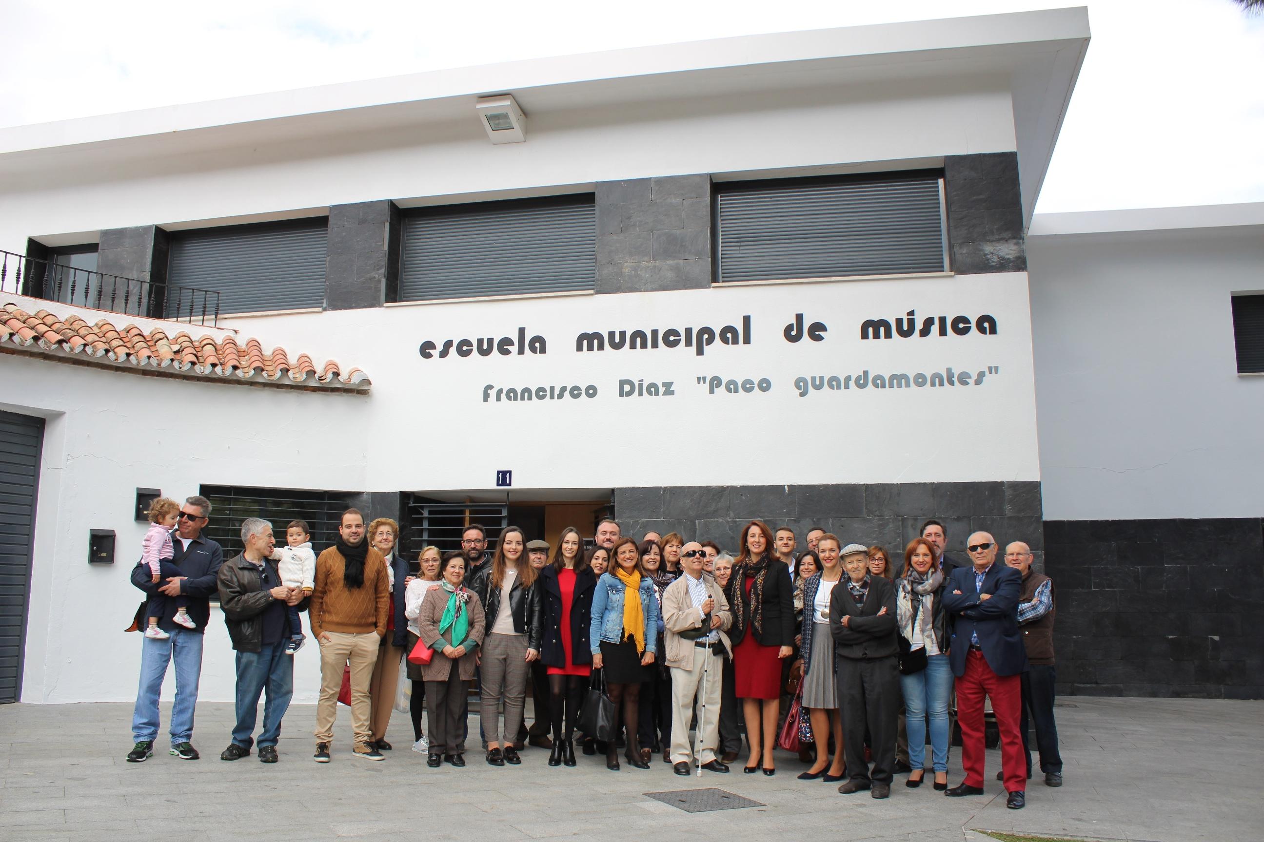 """La Escuela de Música ya tiene el nombre de """"Paco el Guardamontes"""""""