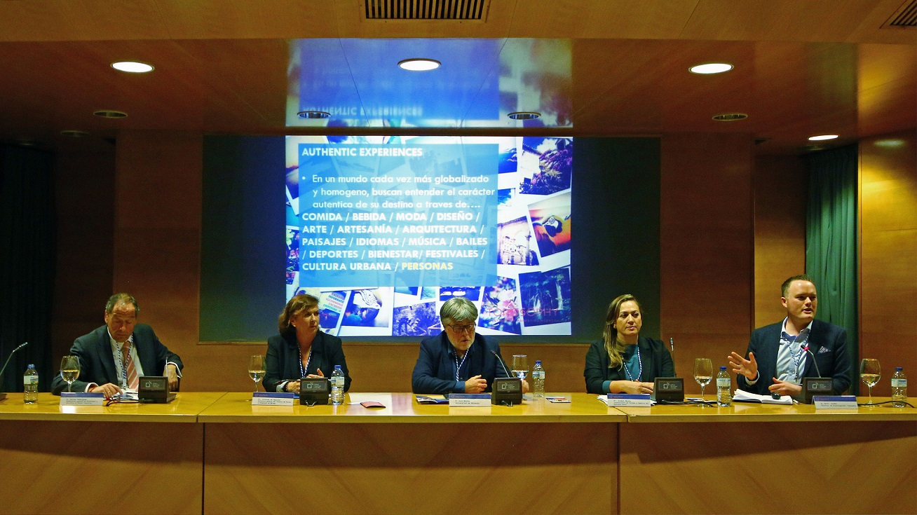 FYCMA participa en un foro de turismo urbano en Valencia para mostrar las oportunidades de la industria de congresos y reuniones