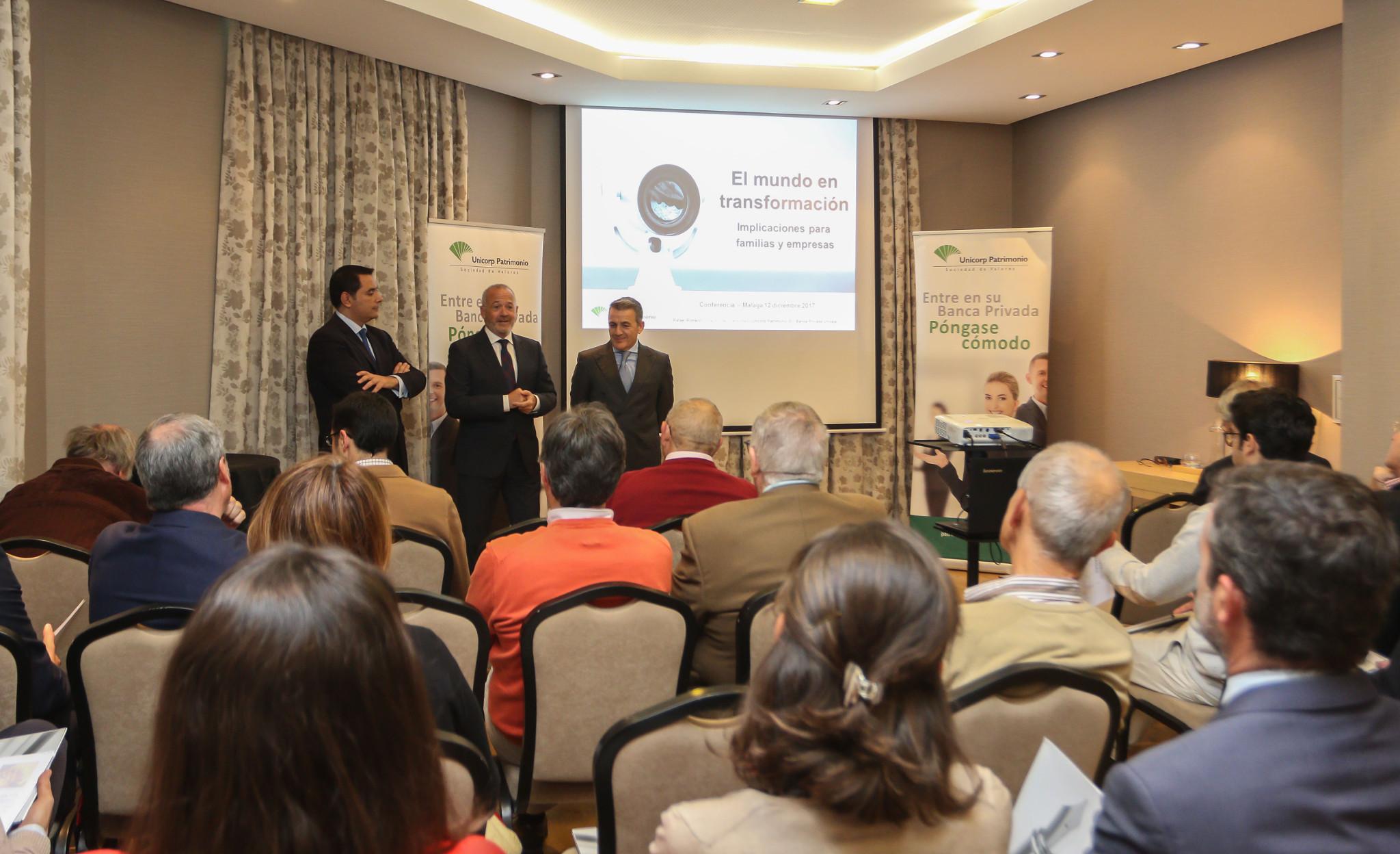 Unicaja Banco celebra en Málaga una sesión de asesoramiento de inversión dentro de su Ciclo de Encuentros de Banca Privada