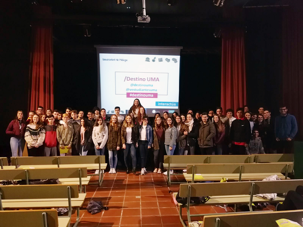 600 preuniversitarios de Nerja conocen la oferta de la UMA