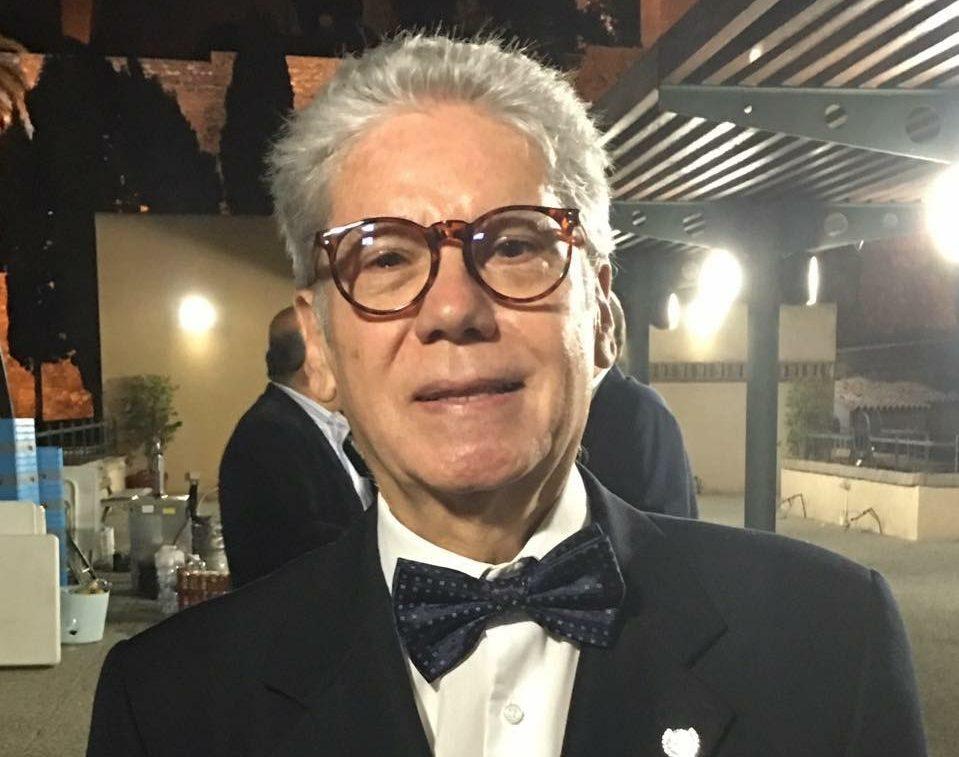 Carlos Pérez Ariza se jubila como profesor de Periodismo y vicerrector de Comunicación