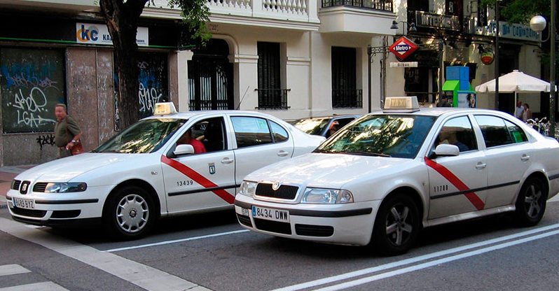 Editorial – La violencia del taxi y la inhibición del Gobierno