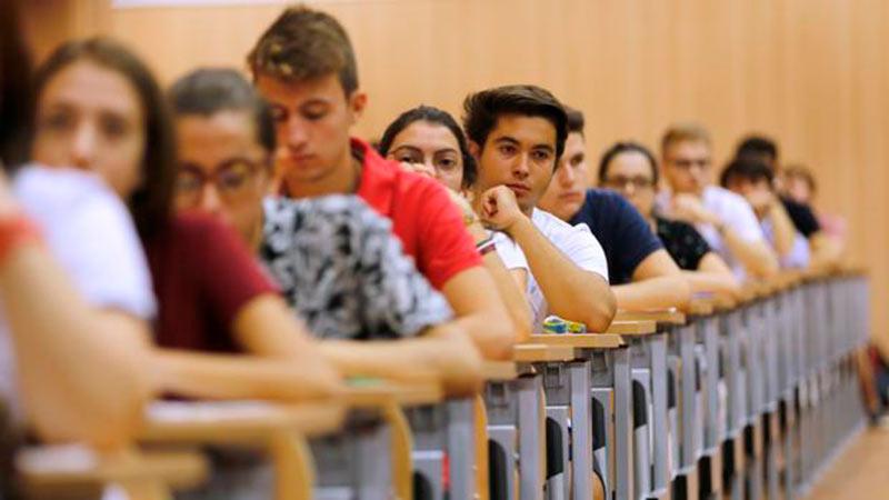 Superan la PEVAU de septiembre el 70,1 por ciento de los alumnos presentados