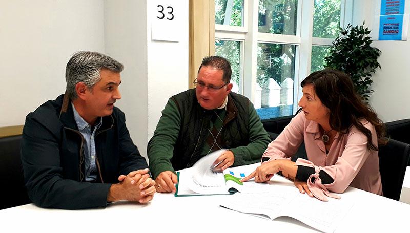El Club de los Viernes se reúne con la secretaria general del PP de Andalucía, Loles López.