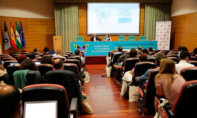 Expertos en comunicación universitaria debaten en la UMA sobre el uso de los medios digitales y audiovisuales