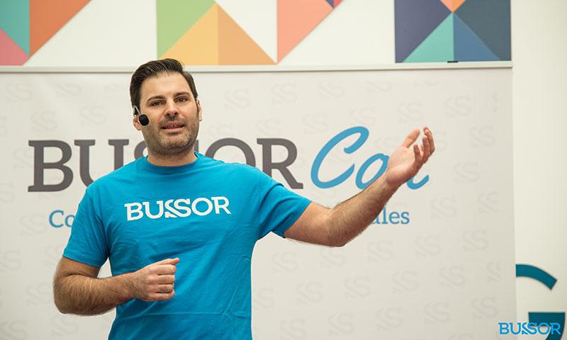 """Alejandro Hiniesta: """"El lema de Bussor es aprende a ser tú"""""""