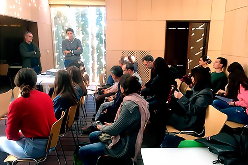 """La UMA celebra una jornada de divulgación en la casa y laboratorio solar """"Lab Patio 2.12"""""""