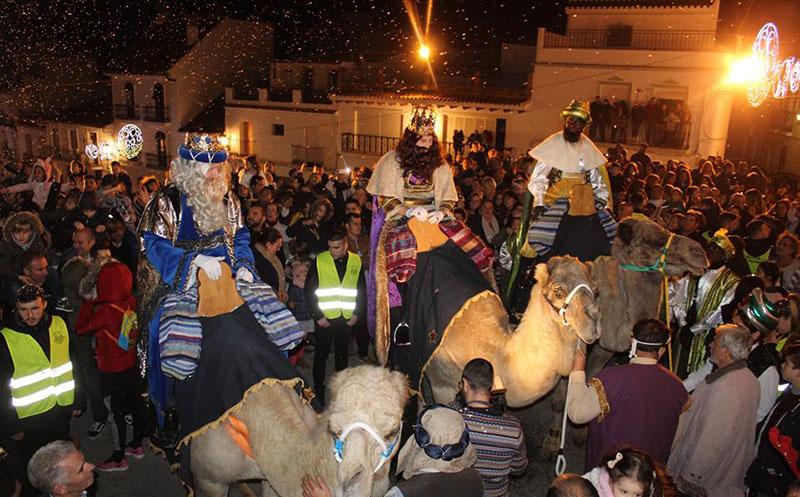 Los Reyes Magos repartieron magia e ilusión en Alhaurín el Grande y Villafranco del Guadalhorce