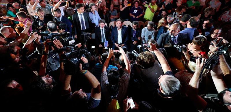 Editorial – El golpe y sus medios