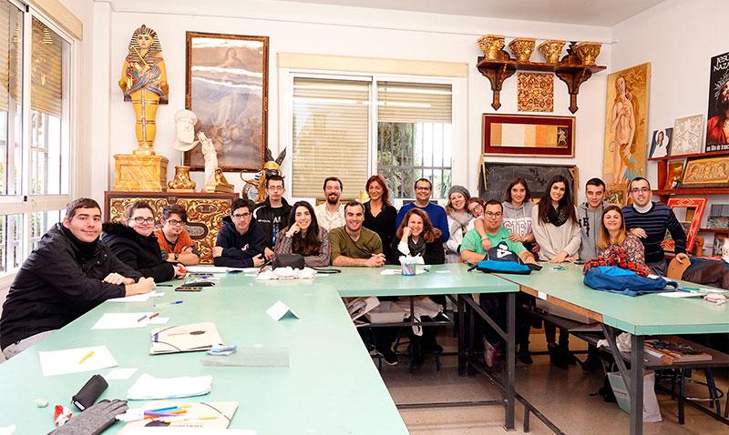 """Los artistas Santiago Ydañez y Miki Leal participan en el curso """"Técnico auxiliar en entornos culturales"""""""