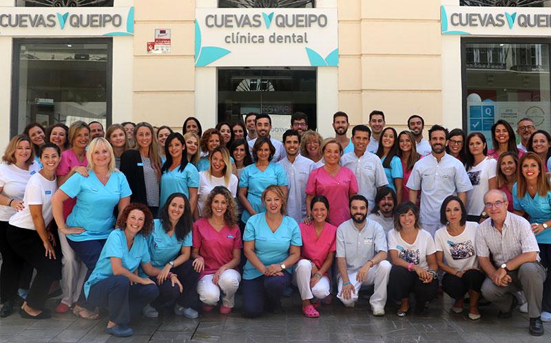 """Teresa Queipo (Clínica dental Cuevas – Queipo): """"El plus que podemos aportar es el trato personal con el paciente"""""""