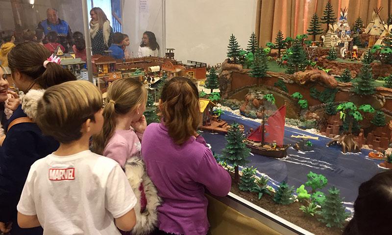 La Casa de la Cultura de Alhaurín el Grande acogió una nueva exposición de los Playmobil