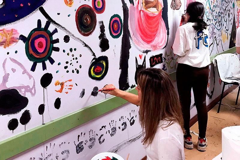 Bellas Artes se implica con el Materno para decorar la Unidad de Salud Mental