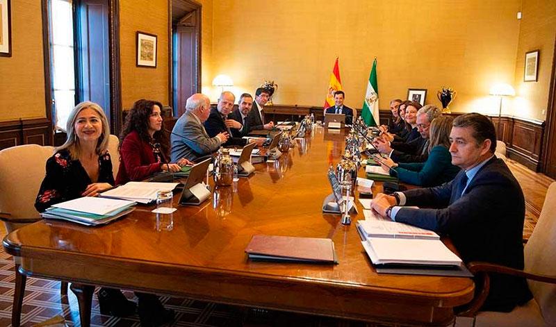 CSIF denuncia que la Junta se salta los filtros 'antienchufismo' para colocar a dedo a sus cargos en Málaga