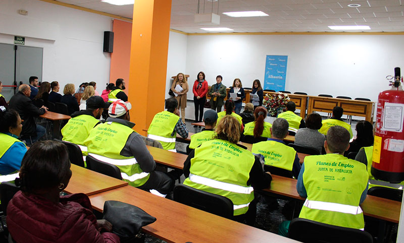 Un total de 34 trabajadores de los planes Emplea comienzan a trabajar en el Ayuntamiento de Alhaurín el Grande