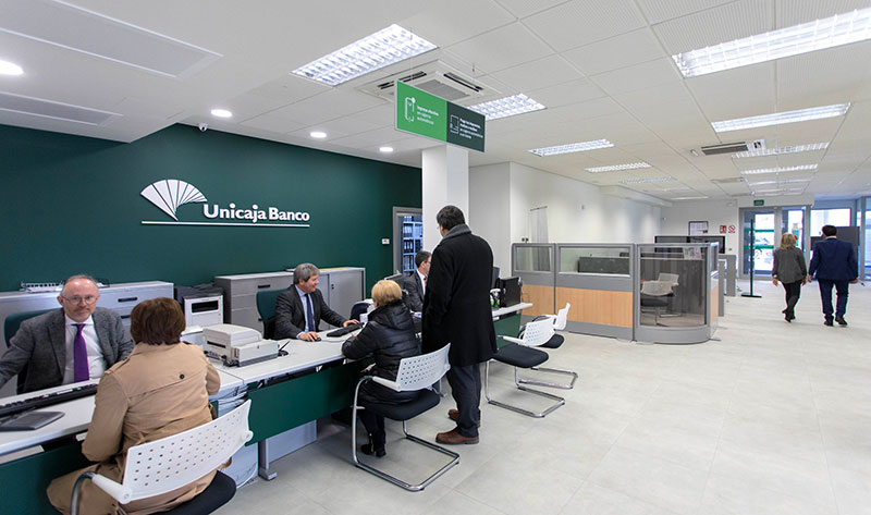 Unicaja Banco lanza un servicio que permite unificar seguros, fraccionar el pago de sus primas y recibir bonificaciones
