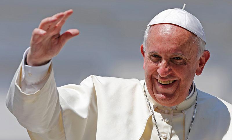 Editorial – Un Papa discutido