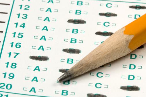 Un titular de autoescuelas critica los retrasos en los exámenes