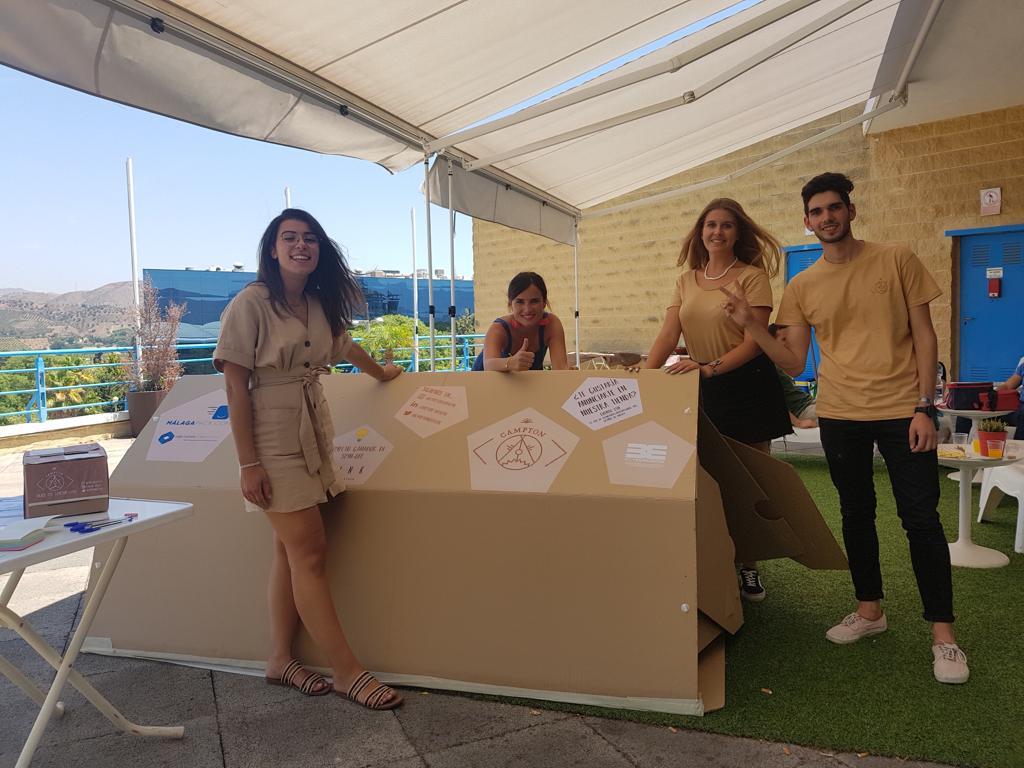 La startup malagueña Campton lanza su solución al problema del plástico en alojamientos de festivales y otros eventos