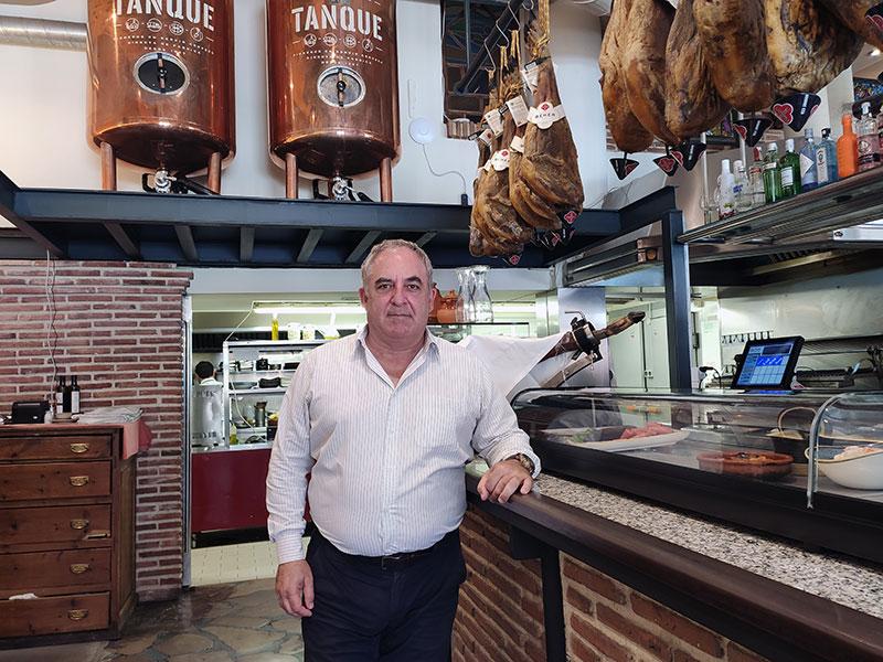 """Armando Herranz, propietario del Restaurante Lereo: """"La frase 'cocina de costumbres' define muy bien nuestra restauración"""""""