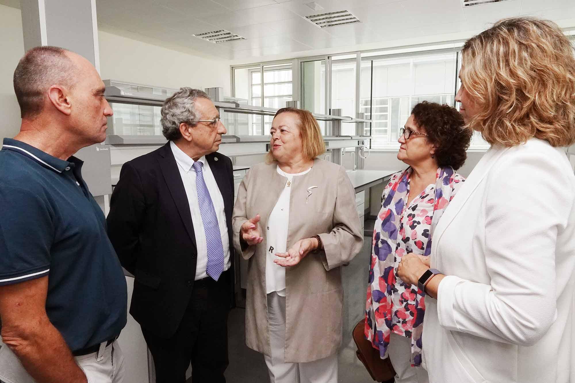 La presidenta del CSIC visita el nuevo edificio IHSM en el campus de Teatinos