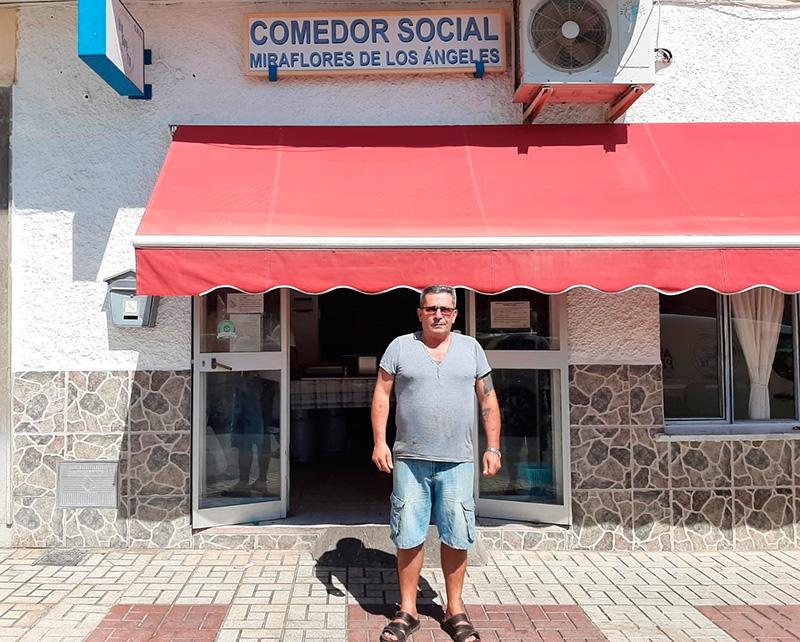 """Emilio Gómez: """"Damos de comer diariamente a 750 personas. No hay un comedor así en toda Andalucía"""""""