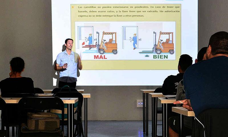 El 86 por ciento de los docentes malagueños cree que sus tareas burocráticas perjudican la atención al alumnado