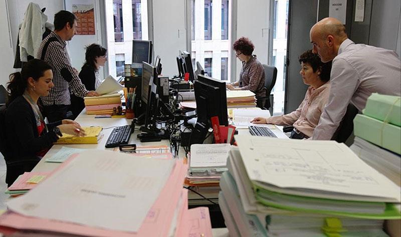 El Supremo avala bajar el sueldo a los funcionarios poco productivos
