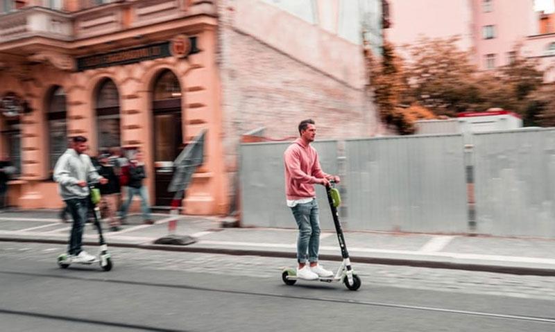 La DGT regula los patinetes eléctricos