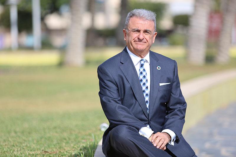 Entrevista con Rafael Pérez, decano del Cuerpo Consular en Málaga