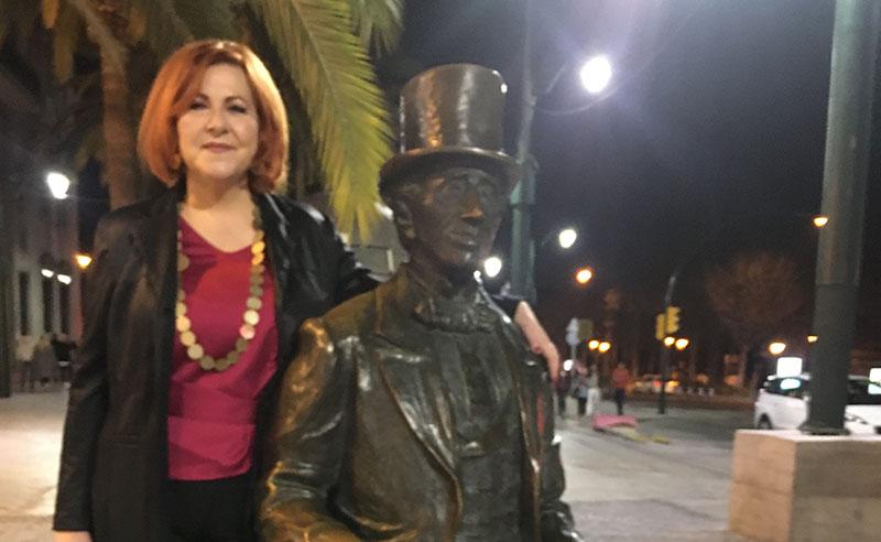Extranjeros en el paraíso. María Viedma García. Escritora