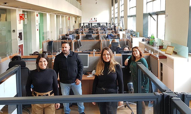 El personal del Servicio Andaluz de Teleasistencia atiende el triple de llamadas desde el comienzo de la crisis