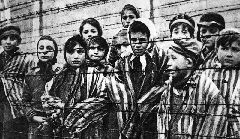 VOX Benalmádena denuncia que PSOE e IU voten en contra del recuerdo a las víctimas del holocausto nazi