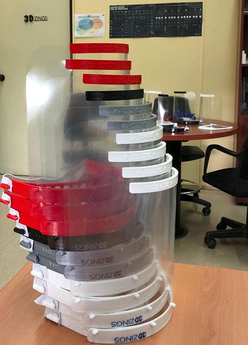 La empresa malagueña 3DZings aumenta la fabricación de máscaras de protección para sanitarios, alcanzando 2.000 por semana, gracias a donaciones como la de BIC Euronova.
