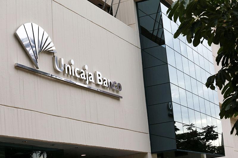 Unicaja Banco gana 77 millones de euros en los nueve primeros meses tras provisionar 166 millones por el COVID-19