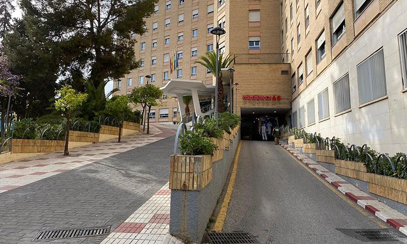 El Hospital Regional de Málaga traslada Neurocirugía a CHIP y Cirugía Cardiovascular a Vithas Parque San Antonio