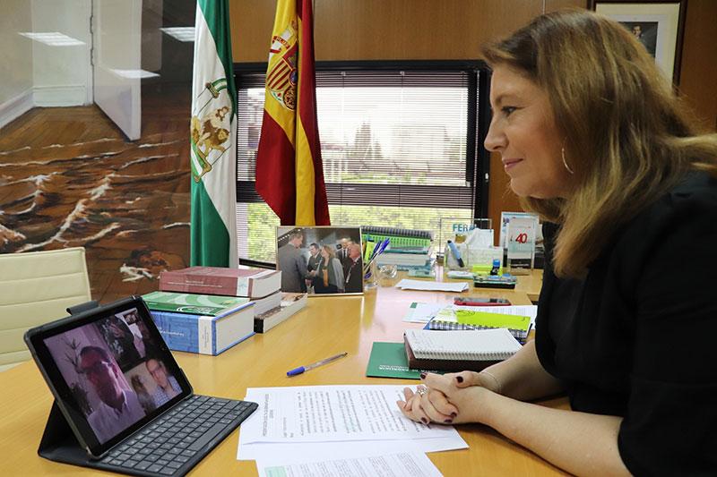 Crespo destaca la apuesta de la Junta por la conservación del quebrantahuesos en Andalucía