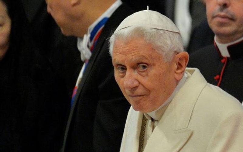 Benedicto XVI arremete contra el matrimonio gay y «el credo del anticristo»