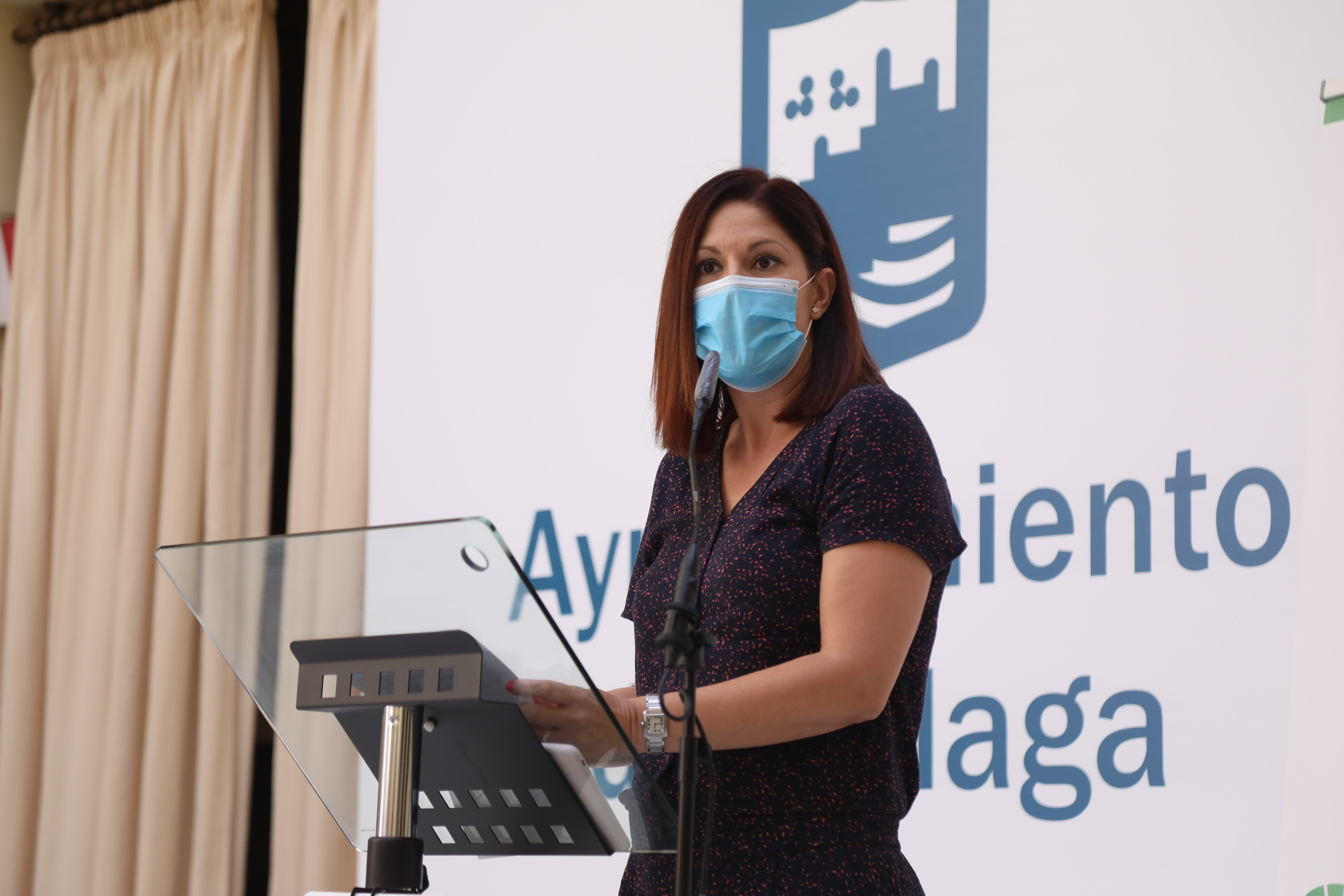 La escritora sevillana Rocío Rojas-Marcos gana el XXVIII Premio de Poesía Manuel Alcántara